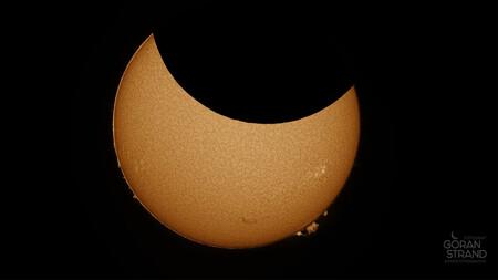 El último eclipse solar en un timelapse hecho con 50 mil fotos y que muestra un detalle que nunca habíamos visto