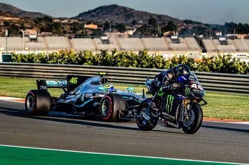 Cuando conquistar los 500 cc y la Fórmula 1 se convirtió en seducción: siete pilotos que se pasaron de las motos a los coches