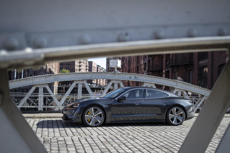 Foto de Porsche Taycan prueba contacto (68/275)