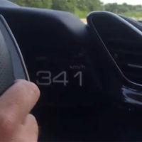 Y esto es un Ferrari 488 GTB a 341 km/h en la Autobahn sin que le multen