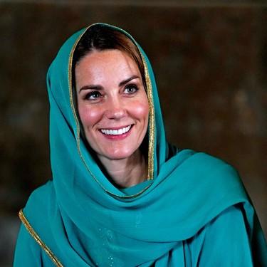 El verde se ha convertido en el color favorito de Kate Middleton y con este Shalwar Kameez lo demuestra