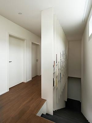Librería Harp, para dividir en espacios con escaleras