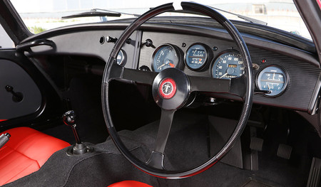 Toyota Restaura Su Auto De Carreras Mas Antiguo 4