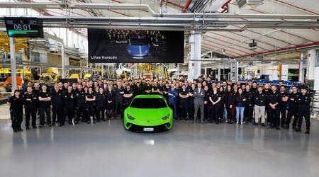 El Lamborghini Huracán llega a las 10.000 unidades para recordar al Urus quién es el superventas