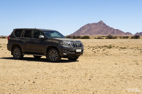 Probamos el Toyota Land Cruiser en el desierto: un auténtico todoterreno de los que ya no quedan