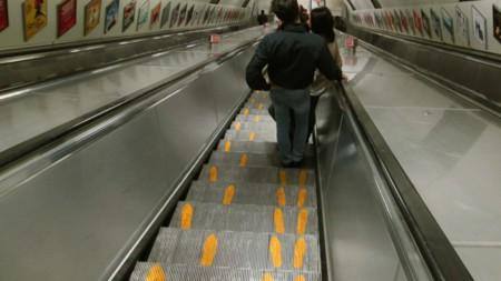 En Londres no te van a dejar andar en las escaleras del metro  (y pueden tener razón)