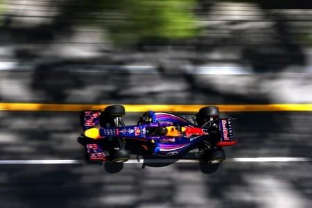 Red Bull quiere seguir con Renault como motorista