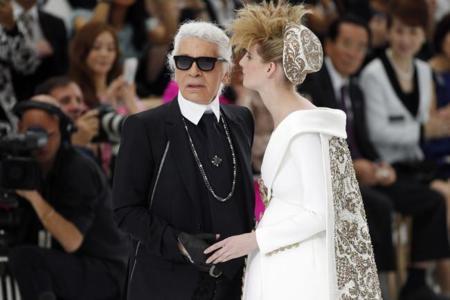 """Las fantásticas """"novias"""" de Karl Lagerfeld ¿marcan tendencia?"""