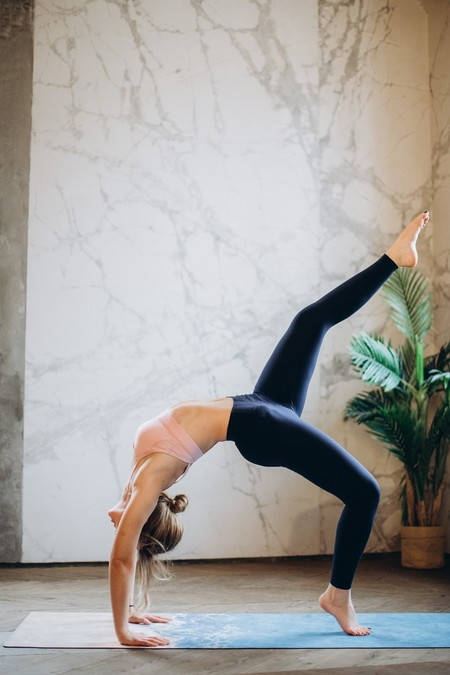 Woman Practicing Yoga 3823086