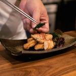 Pechuga de pollo a la plancha con ciruela Umeboshi. Receta del chef Edo Kobayashi para disfrutar de la cocina japonesa estas Olimpiadas