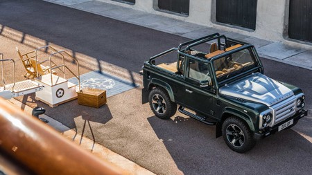 Overfinch Land Rover Defender Soft Top 6