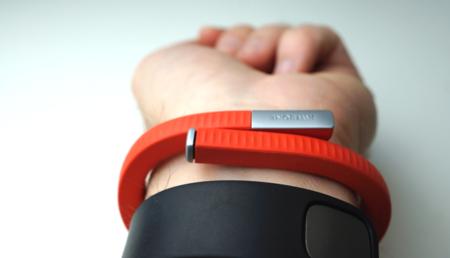 Jawbone quiere que tu cuantificador sea también tu mando a distancia