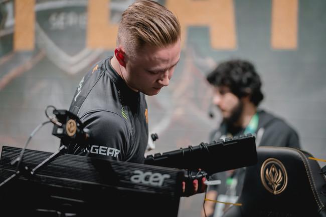 MSI 2018: Fnatic se estrella y Kingzone mete miedo en el primer día de competición