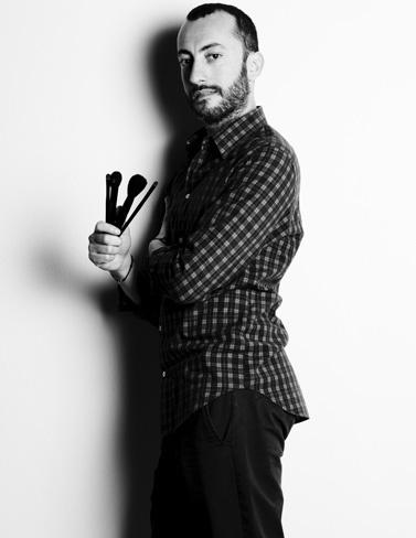 YSL presenta a su nuevo make up artist en España, Eduardo Jiménez