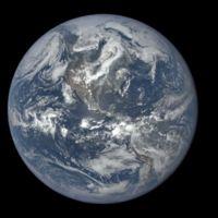 Así de increíble se ve el transcurso de un año en la Tierra desde el espacio