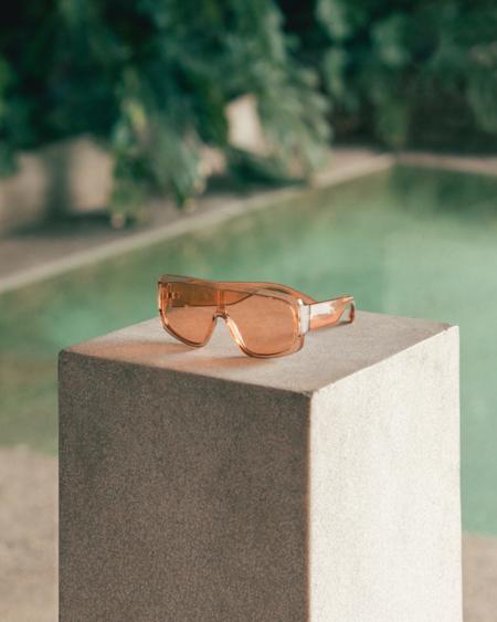 Estas gafas de sol son de Mango, cuestan 19,99 euros, tienen tamaño maxi y prometen convertirse en la pieza más deseada del verano