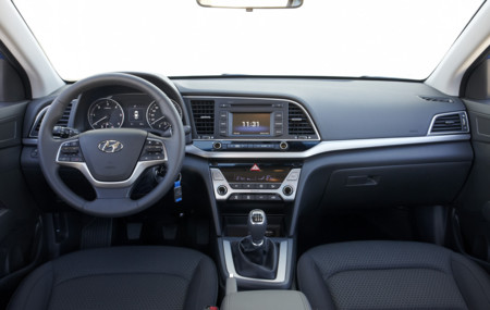 Hyundai Elantra 08