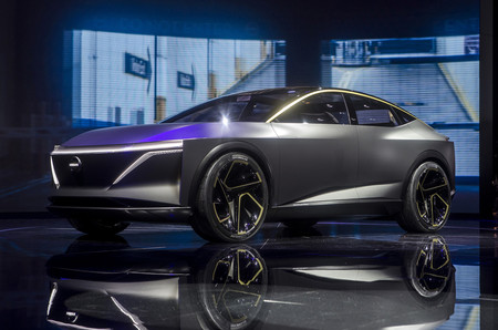 Este Nissan IMs EV Sports Sedan es un coche eléctrico, semiautónomo y con un nuevo concepto de interior