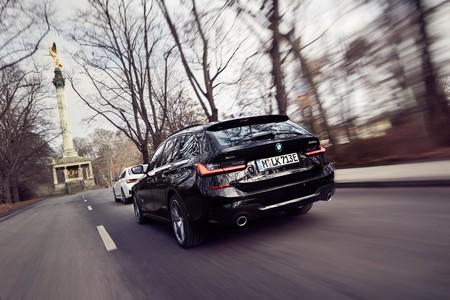 El BMW Serie 3 Touring híbrido enchufable llegará en verano: un familiar con tracción total y 55 km de autonomía eléctrica