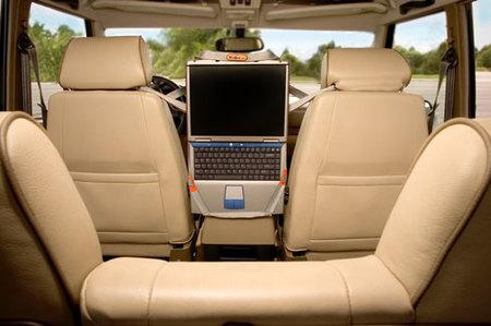 CradleVue, arnés para llevar el portátil en el coche