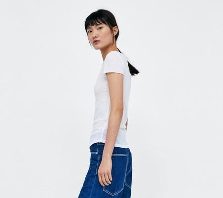 Zara lanza una colección cápsula de camisetas blancas que hará que quieras tenerlas todas en tu armario