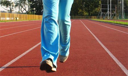 La importancia de hacer pesas si practicas carrera