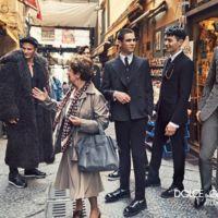 Dolce & Gabbana elige a un corresponsal de guerra para fotografiar su nueva campaña en las callejuelas de Nápoles