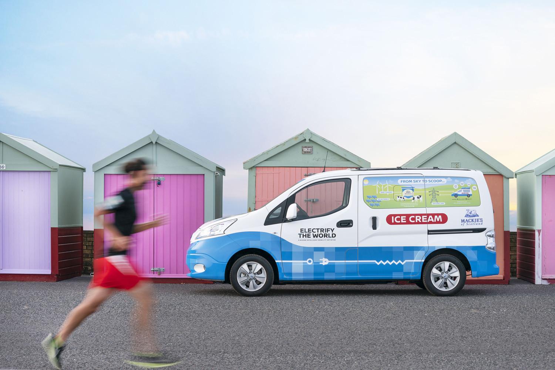 Foto de Nissan NV200 Ice-Cream Van (2/17)