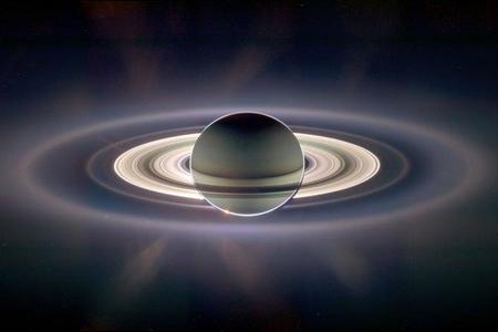 ¿Cómo es un eclipse solar desde Saturno?