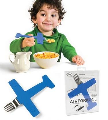 Tenedor-avión, para comer jugando