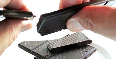 """El trabajo de nuestros sueños existe, está disponible y se llama """"probador profesional de chocolate"""""""