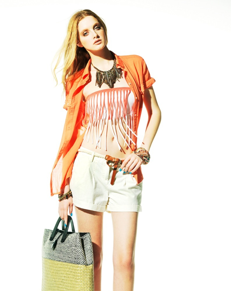 Foto de Bershka, lookbook de abril Primavera 2011: ¡más color en las tiendas! (19/22)