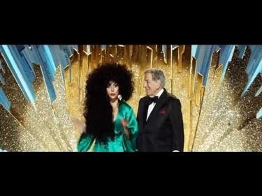 Anda, pues Lady Gaga está toda normalita para H&M, bueno, casi