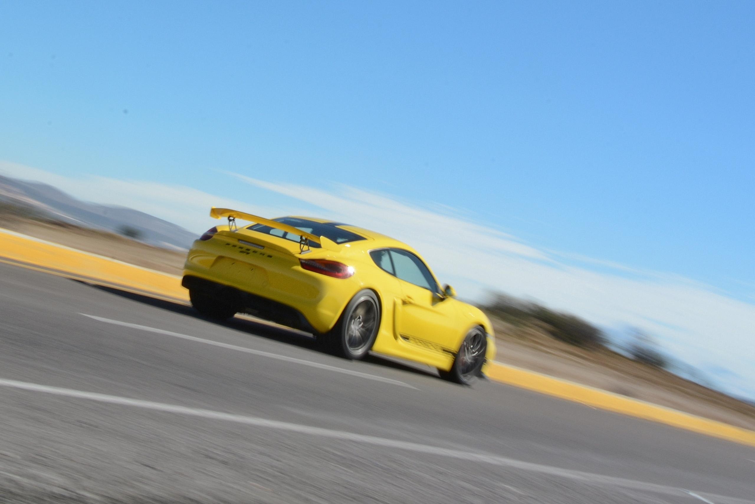 Foto de Porsche Cayman GT4 (17/19)