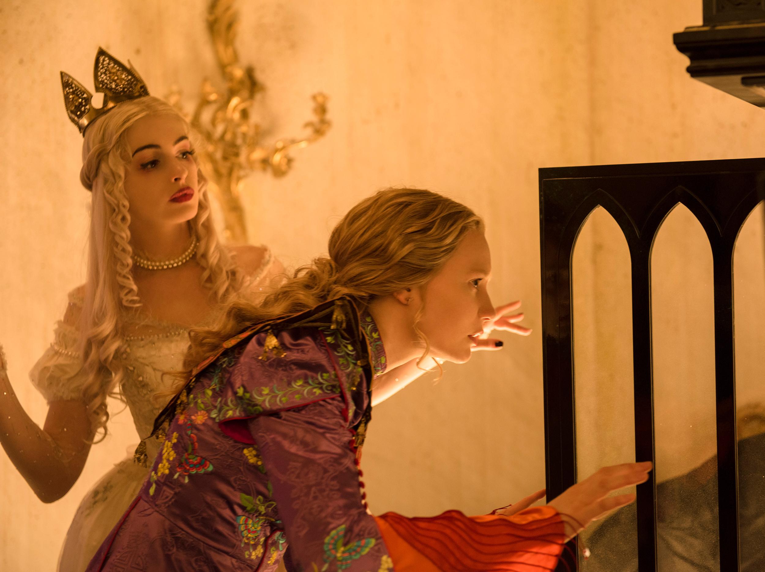 Foto de Vestuario película 'Alicia a través del espejo' (7/13)