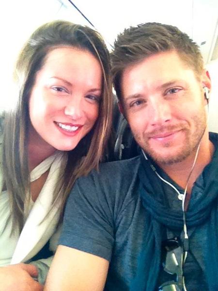 Bebé llama a las puertas de... Jensen Ackles