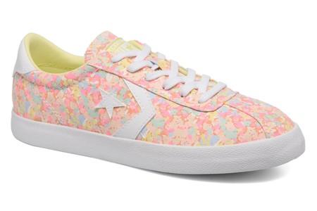 Hechas para molar: 50% de descuento en las zapatillas Converse Breakpoint Ox Floral Textile. Ahora cuestan 31,40 euros en Sarenza