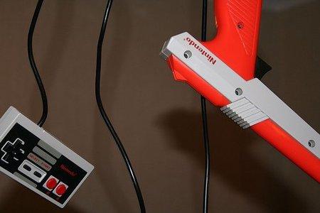 Pistola y mando de la consola NES