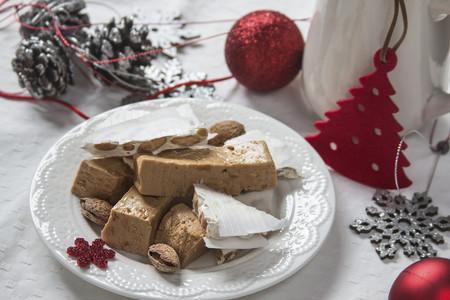 Del turrón al polvorón ¿cuáles son los dulces navideños más saludables?