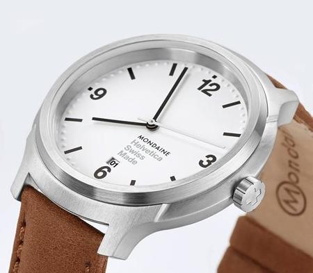 Tiempo y letra: reloj Mondaine Helvetica No1 Bold