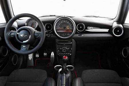 MINI John Coorper Works GP interior deportivo