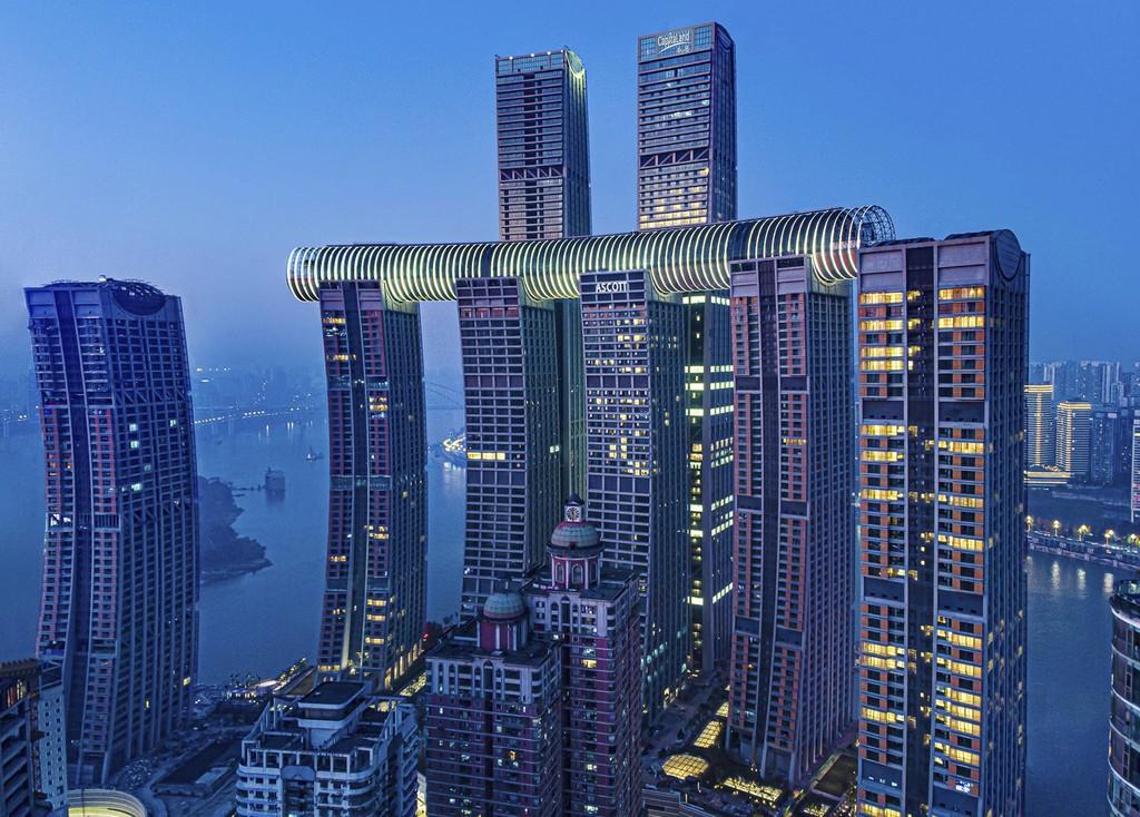 Este espectacular rascacielos horizontal de 305 metros de largo está en China y es el primero de este tipo en el mundo