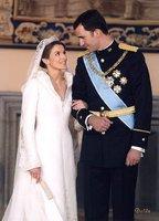 Los looks de la Princesa Letizia en las bodas reales