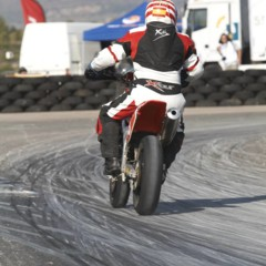 Foto 10 de 63 de la galería albaida-despide-el-campeonato-de-espana-de-supermotard-2011 en Motorpasion Moto