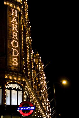Shopping de lingotes de oro en Harrods
