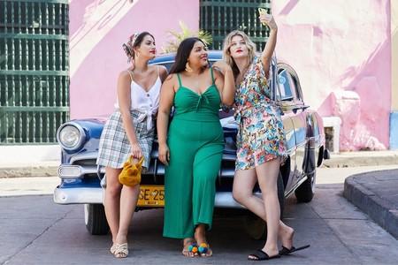 Aire tropicales en la nueva campaña Violeta by Mango que nos lleva directos hacia el verano