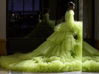 Giambattista Valli se corona como el rey de la Alta Costura con su colección Primavera-Verano 2018