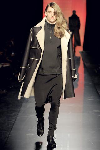 Foto de Jean Paul Gaultier Otoño-Invierno 2011/2012 en la Semana de la Moda de Paris (27/40)