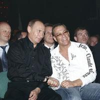Van Damme cuenta por qué fue expulsado de 'Depredador' y cómo fue su pelea cuerpo a cuerpo con Putin