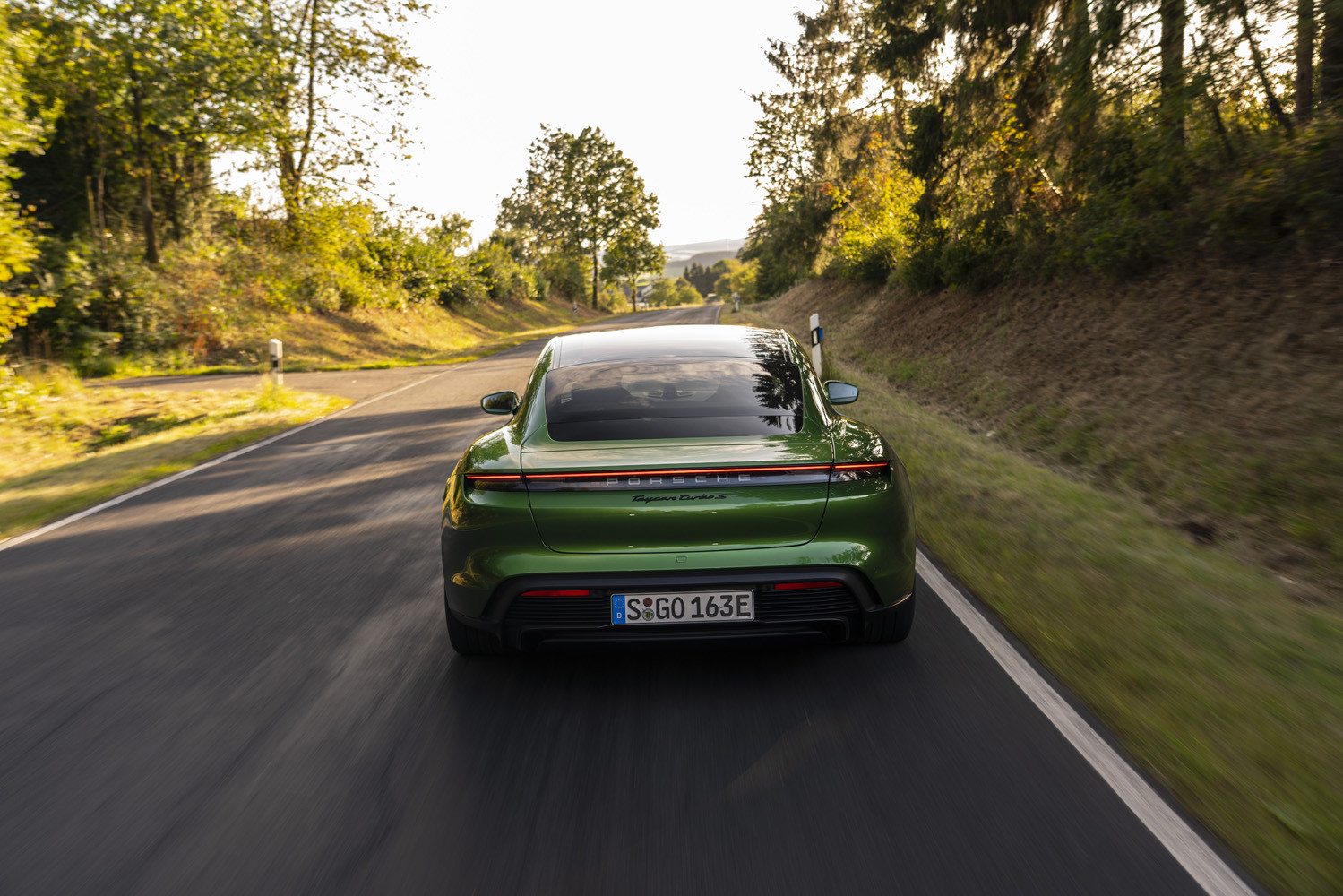Foto de Porsche Taycan prueba contacto (236/275)